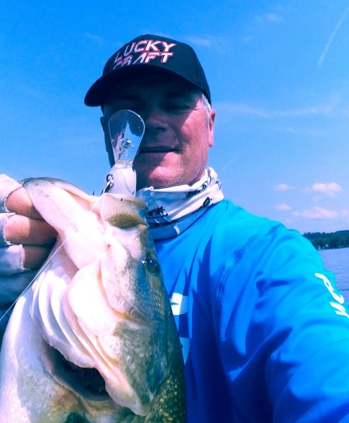 Deep Crankin Summer LMB on Cayuga Lake